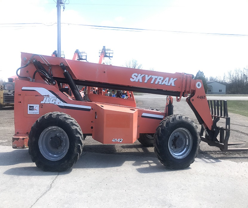 Used 2008 Skytrak 6042 for Sale in WI