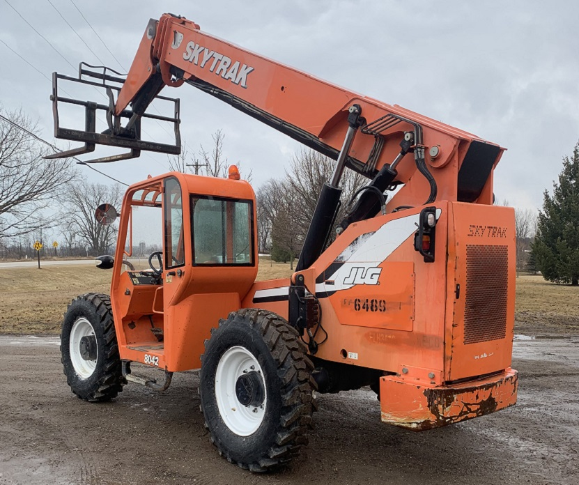 2008 Skytrak Telehandler for Sale in WI